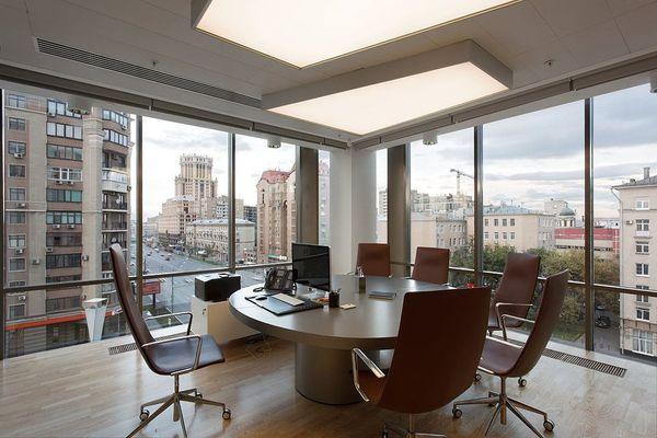 Московские компании начали снимать более крупные офисы